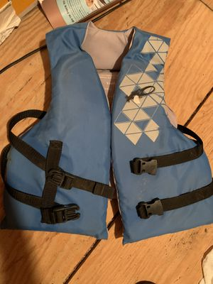 Children's youth life jacket for Sale in Huron Charter Township, MI