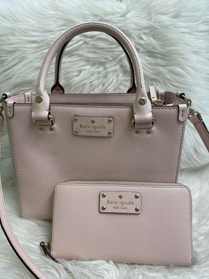 Kate spade purse and wallet for Sale in Lynnwood, WA