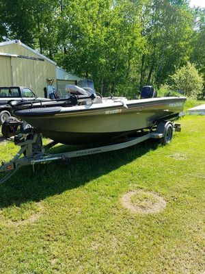 Tracker Tundra, 18 ft for Sale in Marion, MI