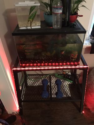 Fish tank w/ stand for Sale in Reedley, CA