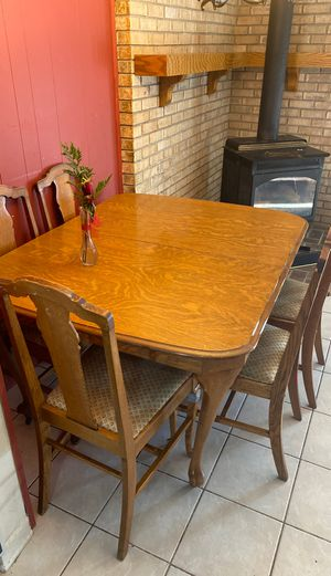 Dining room table for Sale in Portage, MI