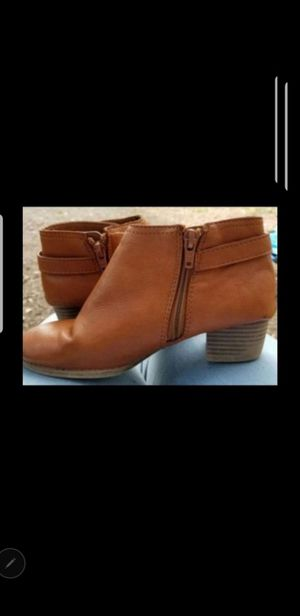 Girls size 1 boots for Sale in San Antonio, TX