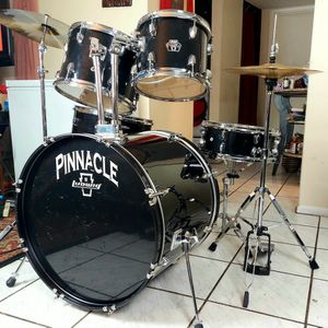 Ludwig Pinnacle Drum Set !! $280 Or Best Offer !!with All The Hardware And Cymbals for Sale in Fort Lauderdale, FL
