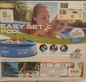 Intex Coleman summer waves 8 ft pool for Sale in Cleveland, OH