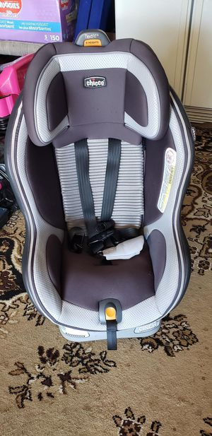 Chicco NextFit Zip Air Convertible Car Seat - Azzurro for Sale in Troutdale, OR