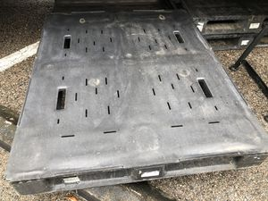 SET OF *4 * PVC PLASTIC PALLETS for Sale in Valrico, FL