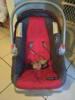 Graco Infant rear facing car seat with base for Sale in Orlando, FL