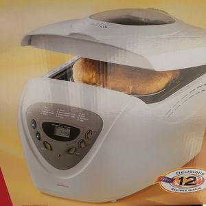 Bread MAKER Brand Sumbeam Brand New In Box for Sale in Phoenix, AZ
