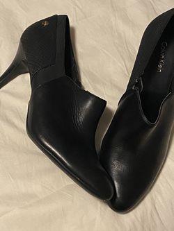 Calvin Klein Booties w/ heel ; Size 8.5 women's for Sale in Peoria,  IL