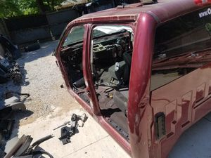 2007 al 2013 Chevy Silverado cab parts for Sale in Dallas, TX