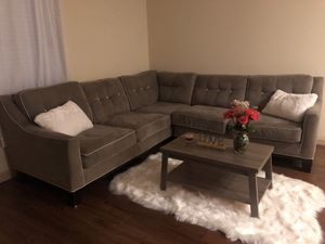 Tv, sectional & coffee table!(PENDING PU) for Sale in Fort Worth, TX