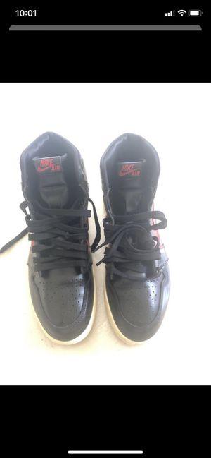 "Nike Air Jordan 1 Rétro High OG Defiant ""couture"" Black Red Size 10.5 for Sale in Miami, FL"