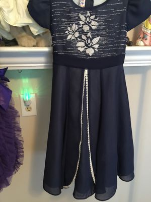 Little Girls NEW ' Designer Party Holiday Dress size 10 zip Navy Blue top gorgeous bead works white flowers empire waist bottom layered chiffon for Sale in Brecksville, OH