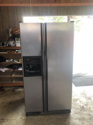 Refrigerator Kenmore for Sale in Hayward, CA