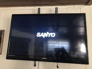 "Sanyo 32"" tv with remote for Sale in Manassas, VA"