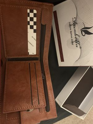 Dunbollu mens leisure leather wallet with many pockets!!! for Sale in Taylor, MI