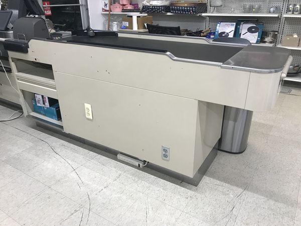 Pos counter with conveyor belt