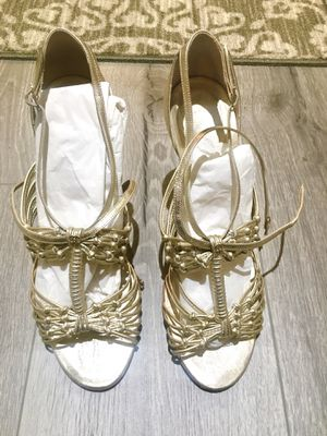 100% Authentic Chanel Gold heels for Sale in Chula Vista, CA