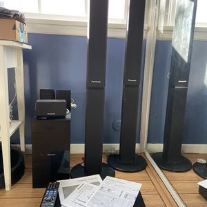 Panasonic Blu-Ray Home Theater Sound System for Sale in Gardena, CA