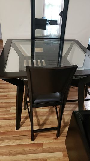 Square Dinning Table with 4 chairs for Sale in Frederick, MD