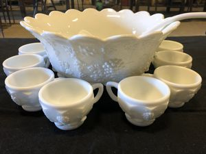 Westmoreland Grape Paneled Punch Bowl Set. for Sale in Cynthiana, KY