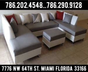 Hermoso sectional couch available for sale brand brand new for Sale in Miami, FL