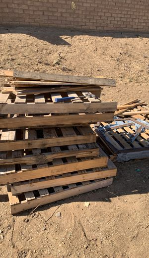 Free pallets for Sale in Palmdale, CA