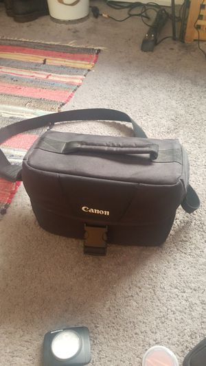 Camera Bag and Accesories (Canon) for Sale in Los Angeles, CA