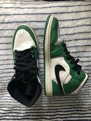 Jordan 1's pine green mids for Sale in San Antonio, TX