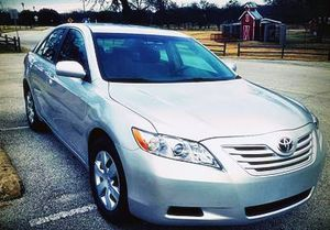 Full price$12OO Toyota Camry FWD for Sale in Columbus, OH