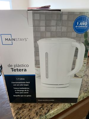 White Plastic Electric Kettle for Sale in Morgantown, WV