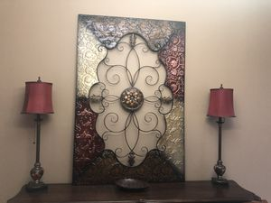 Large metal wall decor and 2 buffet lamps for Sale in Nashville, TN