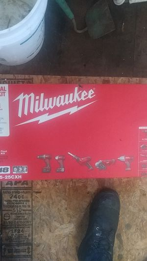 Milwaukee Five tool combo kit for Sale in Tacoma, WA