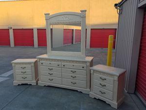 Dresser Set for Sale in Stockton, CA
