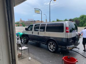 05 Chevy Express on 22 inch Cadillac rims for Sale in Akron, OH