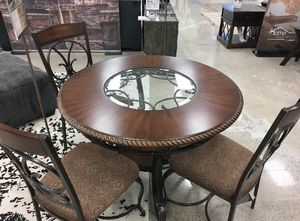Ashley's dining room set for Sale in Haines City, FL