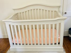 Cache Baby crib for Sale in Havertown, PA