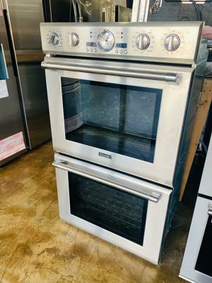 Stove kissimme 39$ ask for veronica for Sale in Kissimmee, FL