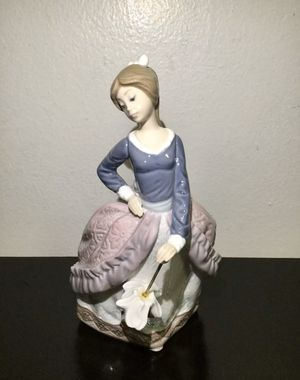 Vintage Lladro #5212 GIrl With Umbrella Parasol Figurine for Sale in Brooklyn, NY