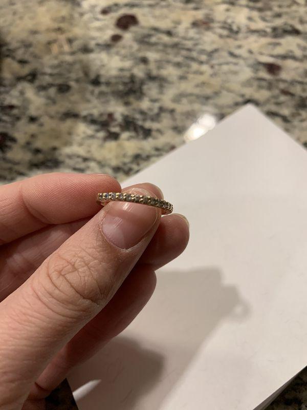 Engagement ring and wedding band set