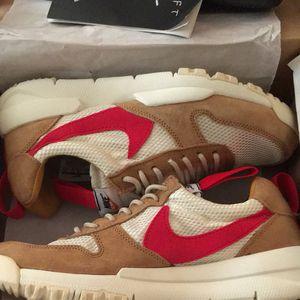 Nike walking training shoes men's sz9.5 for Sale in Philadelphia, PA