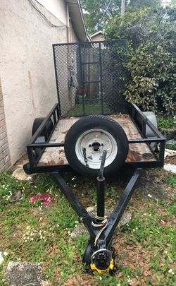 Utility trailer 4ft x 6 1/2ft for Sale in Tampa,  FL