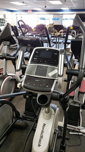Nordictrack e9.5i elliptical! for Sale in Phoenix, AZ