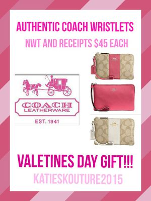 New with tags Authentic Coach Wristlets with receipts -VALENTINES GIFT!!!! for Sale in Cleveland, OH