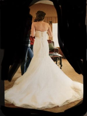 Mori Lee Wedding Dress - US size 8. Fits size 4 to 8 for Sale in Vancouver, WA