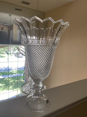 Crystal classics Vase for Sale in Garland, TX