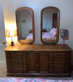 Heavy Solid Oak Mid Century 9 Drawer Dresser for Sale in Long Beach,  CA