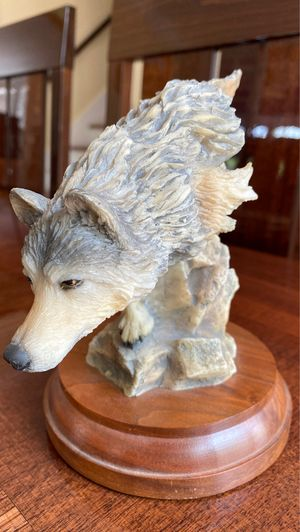 Wolf collectible number 4094 statue titled footloose 6 inches tall for Sale in West Palm Beach, FL
