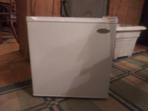 Haier mini fridge w/ mini freezer for Sale for sale  Austell, GA