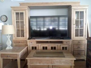 Entertainment Center with cabinet hutch coffee table and end table - Like New for Sale in Miami, FL